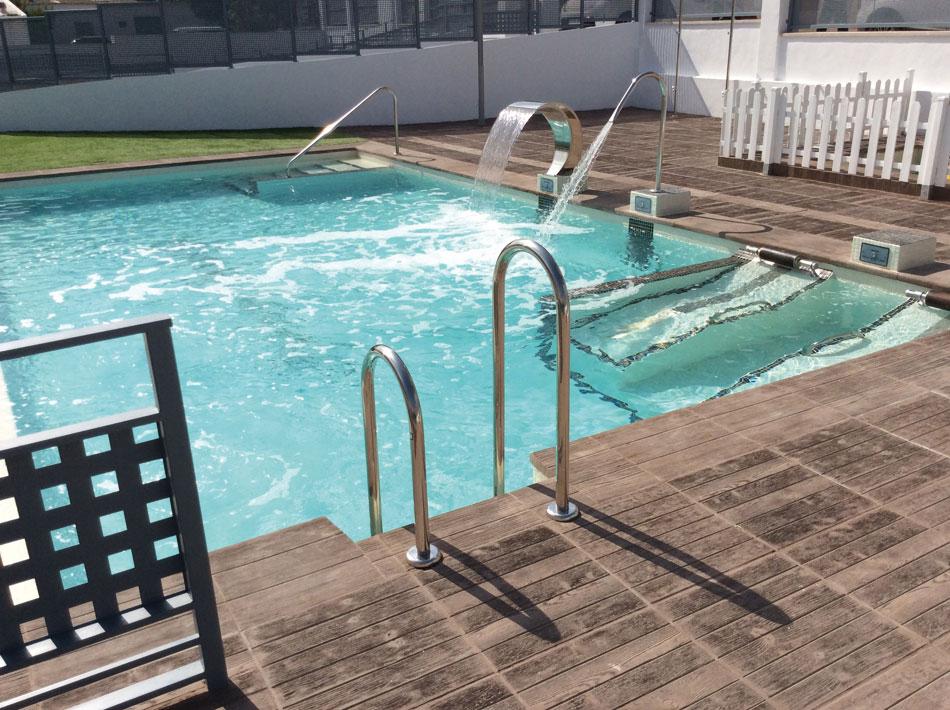 coronacion-piscina-canada-verniprens1