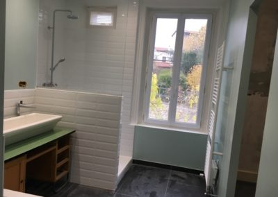 Carrelage salle de bain par DC-Ceramica vers Firminy